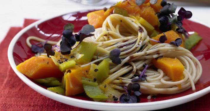 vollkorn-spaghetti-kuerbissauce-7241