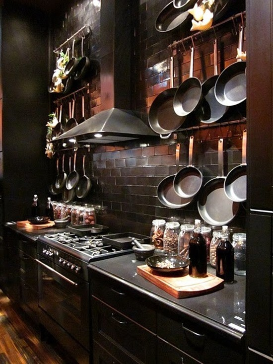 Посуда в кухонном интерьере 4