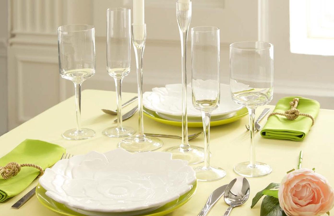 Сервировка-праздничного-стола